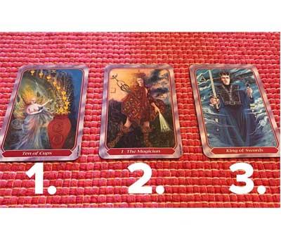 😮Tarot card reading for October
